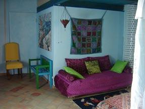 Agriturismo La dolce vita - Blue suite sofa.